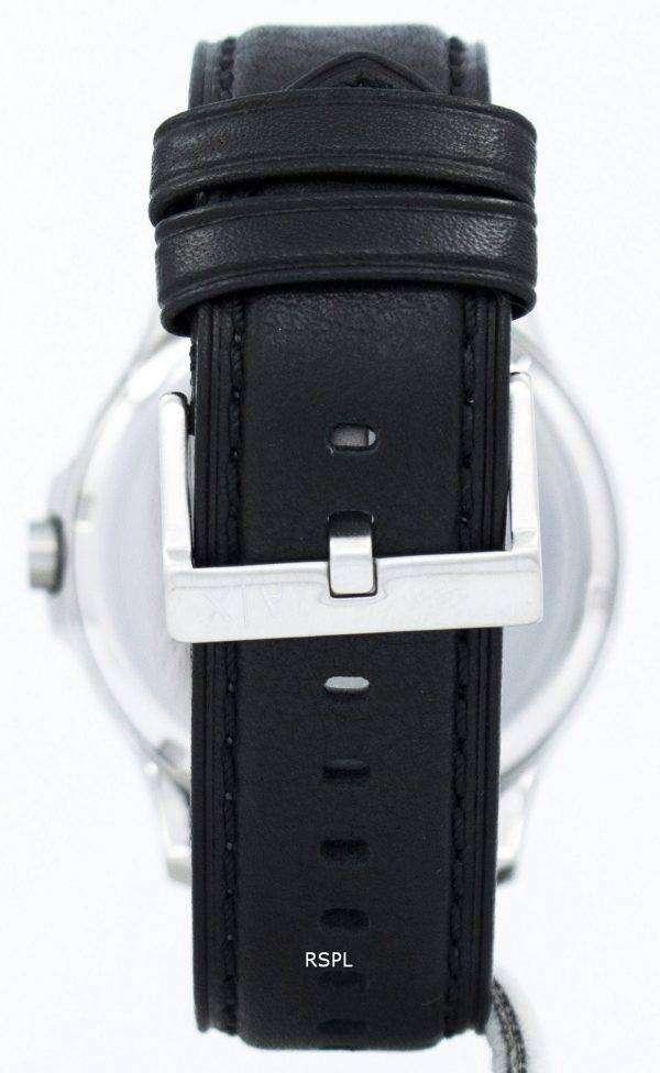 아르마니 익스체인지 블랙 다이얼과 가죽 스트랩 AX2101 남자 시계